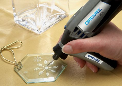 Dremel 4000 - Used with Dremel Engraving Tip and Detailer's Grip attachment