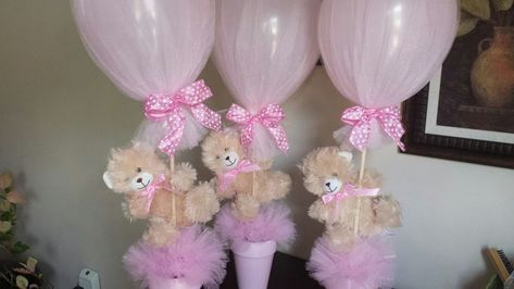 Beautiful center pieces  for  a baby girl baby shower.  Almost all the components came from the Dollar Store. By Mayra Dominguez #decoracionbabyshowergirl #babyshowerideasdecoraciondollarstores