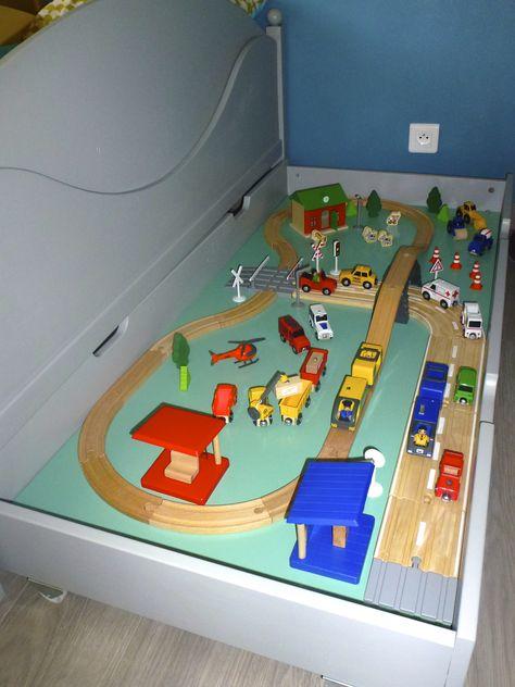 Comment Ranger Les Circuits Voitures Et Trains En Bois De Notre Minion N 2 Dans Le Tiroir De Range Idee Deco Chambre Enfant Chambre Enfant Deco Chambre Enfant