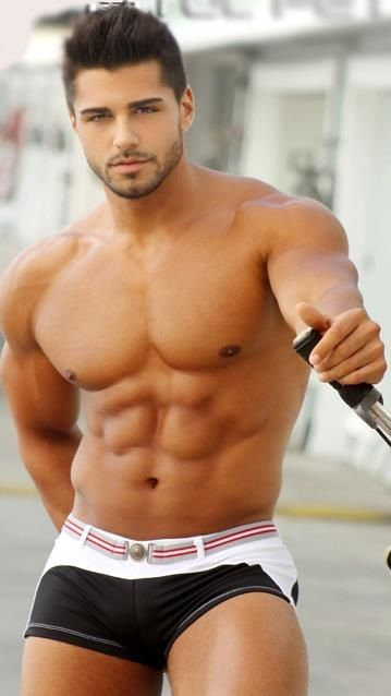 OR briefs? {another nameless cutie but the abs of steel speak for themselves}