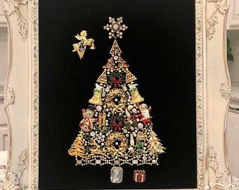 Framed Christmas Tree With Vintage Costume Jewelry Handmade Etsy Christmas Costumes Diy Vintage Jewelry Art Jewelry Wall