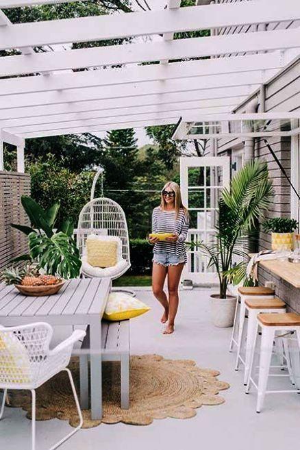 Shared Beach House Furniture Ideas Australia Get Beach House Style Beach House Decor Outdoor Rooms