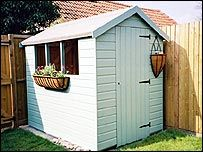 I fancy duck egg blue for the shed at our house- if my husband lets me do it Urban Garden Design, Backyard Garden Design, Blue Garden, Summer Garden, Allotment Shed, Porch Gazebo, Blue Shed, Shed With Porch, Backyard Layout