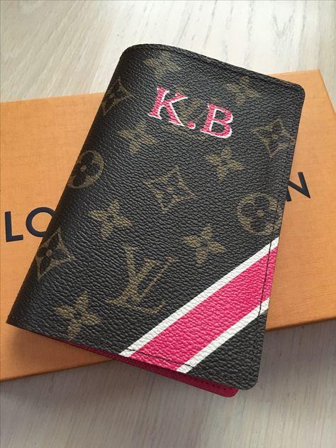 4cf8ba7286f8 Louis Vuitton Mon Monogram Passport Cover