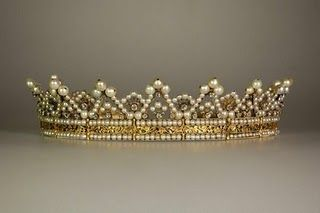 A lovely crown, but I'm also showing this to shamelessly plug my own blog. Check out this blog post if you want links to tutorials and patterns for crowns, tiaras, wreaths, hair vines and more. Most are free, but some are for a fee or kits.  *Update: I found the info on the diadem (which it really is) and it belonged to Stéphanie de Beauharnais. Made around 1829.*