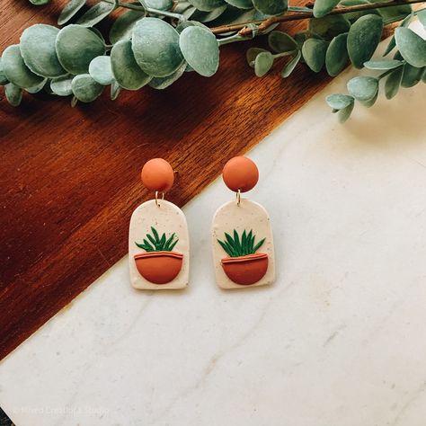 Cute Polymer Clay, Polymer Clay Flowers, Polymer Clay Charms, Polymer Clay Jewelry, Polymer Clay Halloween, Clay Beads, Diy Clay Earrings, Earrings Crafts, Funky Earrings