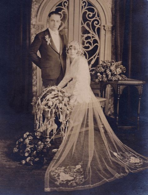 +~+~ Vintage Photograph ~+~+ Couple married in Chicago ca. 1920