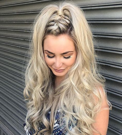 40 Effortless Braid & Updo Hairstyles – STYLE SKINNER You can collect images you discovered organize them, add your own ideas to your collections and share with other people. Braided Hairstyles Updo, Modern Hairstyles, Hairstyles For Round Faces, Summer Hairstyles, Easy Hairstyles, Hairstyle Ideas, Braided Updo, Wedding Hairstyles, Hairstyle Men
