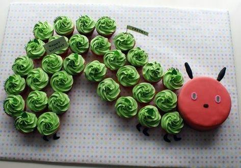 Para festejar cumpleaños en la escuela con los chicos después de leerles una linda historia... o para hacerlos y comerlos en casa :D  Very Hungry Caterpillar Cupcakes | 24 Incredible Cakes Inspired By Books