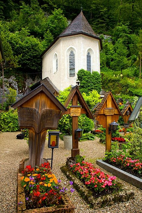 Church cemetery, Hallstatt, Austria