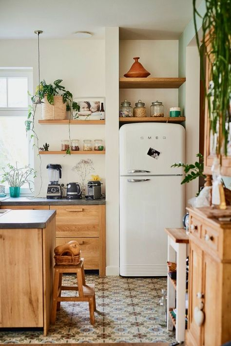 Interior, Home, Small Kitchen, Kitchen Decor, Boho Kitchen, Cottage Kitchen, Home Kitchens, Kitchen Design, Ikea Kitchen