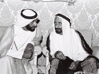 Pin By شوق الشامسي On Hh Zayed History Uae History Historical Figures