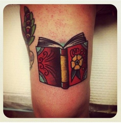 Charming book tattoo designs ideas for bookworms 20