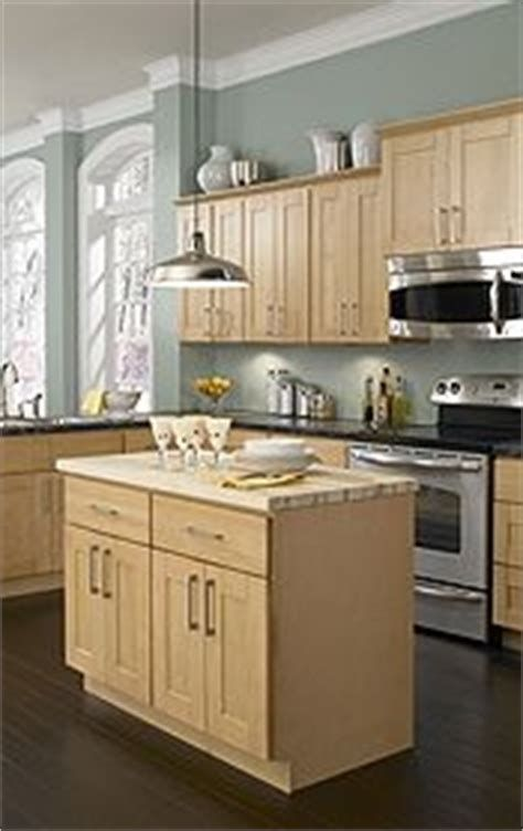 what paint color goes with light oak cabinets | Kitchen ...