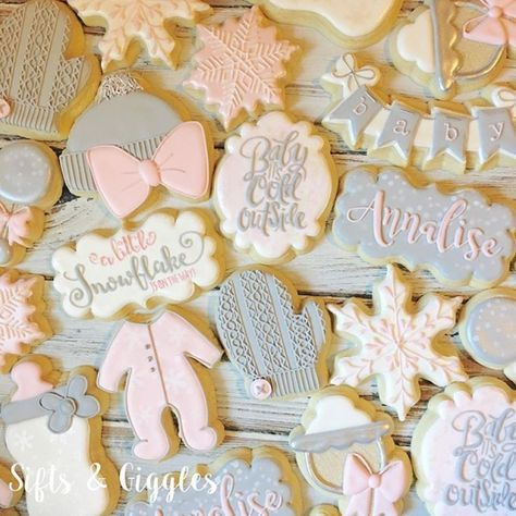 Baby it's cold outside. Love this custom cookie set for Julie's baby shower ❄️ canikeepthem decoratedcookies… 308848486947168063 Baby Shower Niño, Baby Girl Shower Themes, Baby Shower Cookies, Baby Shower Favors, Baby Shower Parties, Baby Cookies, Baby Favors, Sugar Cookies, Baby Theme