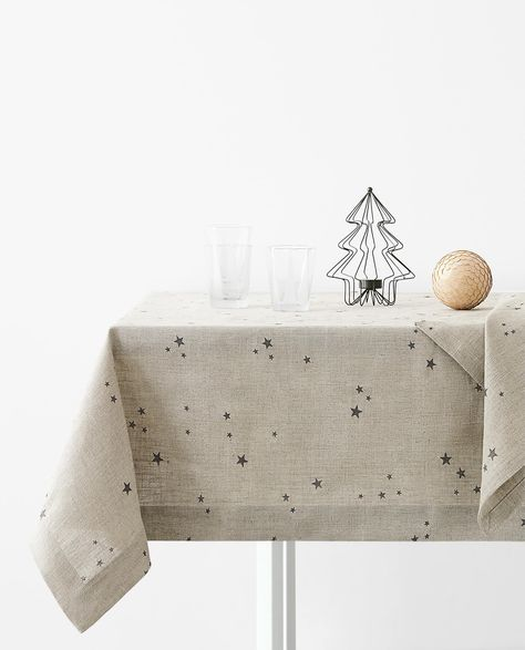 Printed Linen Tablecloth 119 00 139 00 Christmas Table Linen Christmas Table Cloth Zara Home Christmas