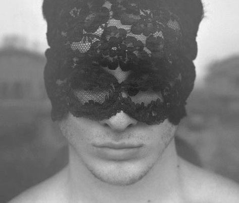 guy with lace mask.