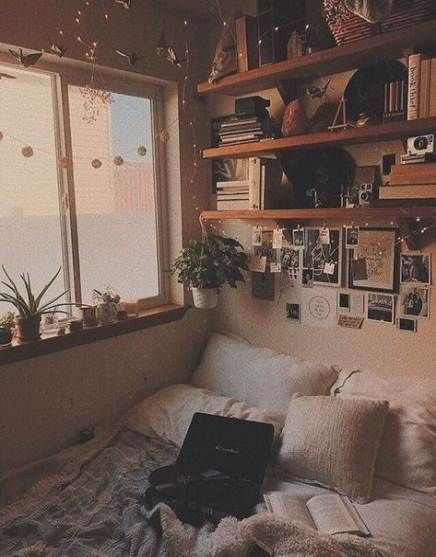 Best Vintage Room Decored Bedroom Retro 24 Ideas Bedroom Decored Ideas Retro Room Vintage In 2020 Dorm Room Designs Retro Bedrooms Aesthetic Bedroom