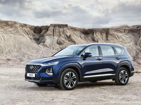 2019 Hyundai Santa Fe Is A Slickly Styled Family Suv Santa Fe