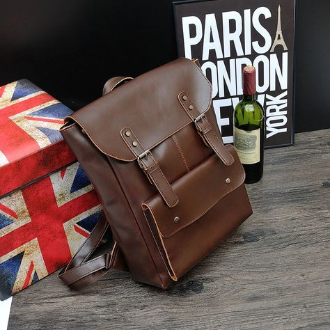 Classic affordable style for every occasion 👜Get that #vintagestyle #vintageootd #backpack#leatherbackpack#vintagebackpack#travebackpack#schoolbag#retrobackpack