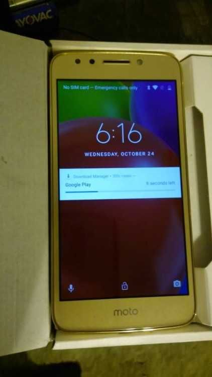 Like new motorola E4 for metro pcs used only for one day