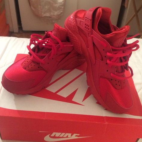 a1188c1cef5 Huaraches Gym red huaraches womens 8 BRAND NEW NEVER WORN. Comes with box  NO TRADES. Nike Shoes Sneakers