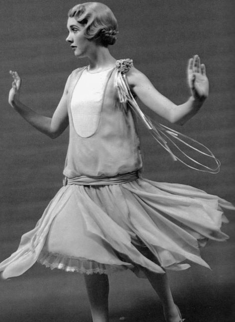 Julie Andrews (as 1920s flapper) in The Boy Friend, 1955.