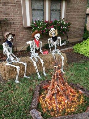 62 Favourite Diy Halloween Decorations Ideas The Expert Beautiful Ideas Fun Diy Halloween Decorations Fun Halloween Decor Halloween Outdoor Decorations
