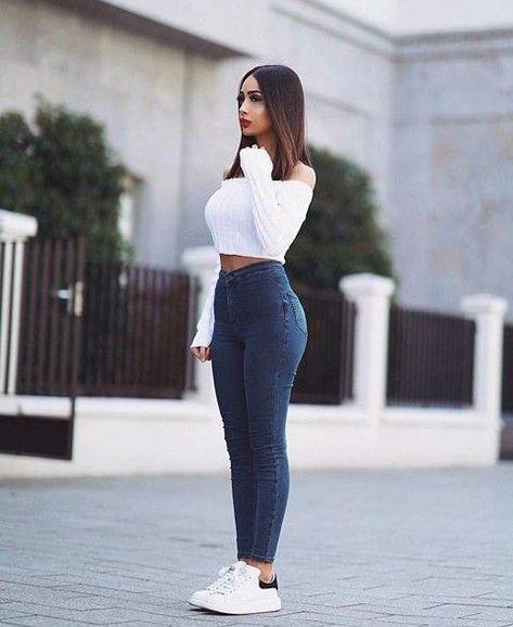 26 Ladies Outfit Trends That Will Make You Look Stylish Everyday, women think about what outfits will they wear. Some may also think what the trend fashion today is.
