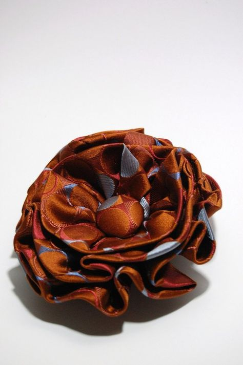 Ähnliche Artikel wie Fun and Flirty Silk Flower Ties - Upcycled Crafts