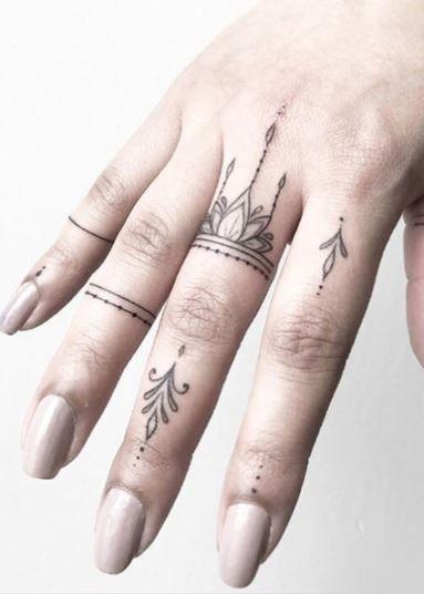 Minimalistische Fingertattoos Girl Finger Tattoos Tiny Finger Tattoos Tattoos For Lovers
