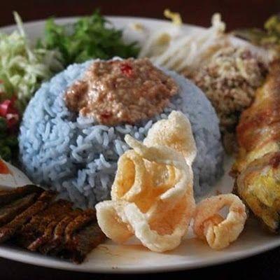 Resepi Nasi Kerabu Kelantan Biru Menyelerakan Ayam Goreng Limau Serai