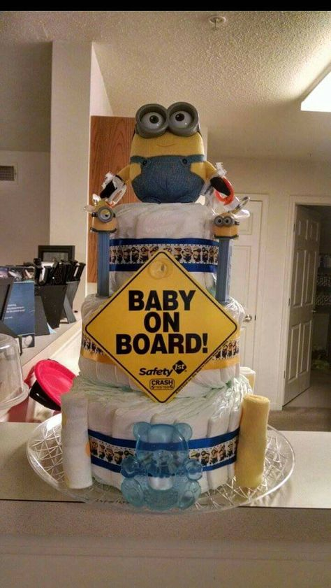 Minion Diaper Cake Check out this item in my Etsy shop https://www.etsy.com/listing/251119779/minions-diaper-cake