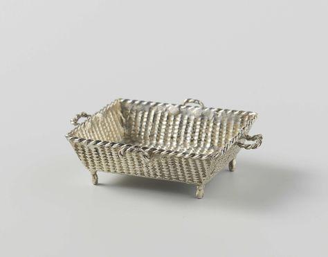 anoniem | Luiermand, anoniem, ca. 1700 - ca. 1725 | Rechthoekige luiermand op vier poten en met vier handvatten. De mand is bewerkt met nagebootst vlechtwerk en is gemerkt: stk.= Amsterdam en een onleesbaar teken.