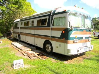 1976 Newell Coach 1976 Newell Coach For Sale For 15 000 In 2020 Coaches For Sale Newell Colorado Skiing