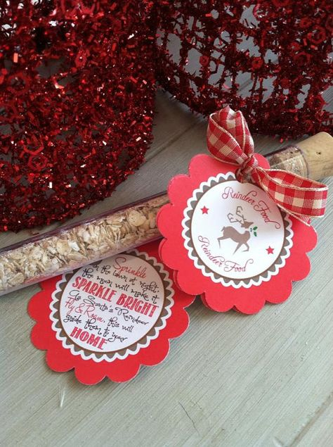 Christmas party kids reindeer food idea! Christmas Party Ideas: Our Favorite Etsy Finds for your Guests. From creative invitations to one-of-a-kind favors, you'll love these holiday party favorites. #gifts #party #christmas #holiday