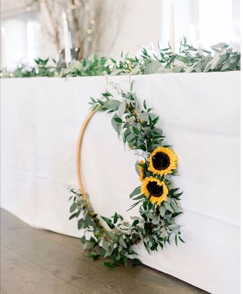 A fabulous Sunflower Wedding hoop perfect for a top table feature. Fall Sunflower Weddings, Sunflower Wedding Centerpieces, Sunflower Wedding Invitations, Sunflower Bouquets, Wedding Bouquets, Sunflower Wedding Flowers, Sunflower Party Themes, Sunflower Birthday Cakes, Sunflower Decorations