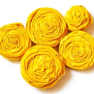 How to roll fabric flowers