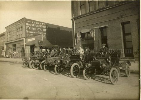 Best Undated Photograph Of Cars Lined Up Outside A Furniture Store In Everett  Wa Granite Falls Historical Museum Travel Through Time Pinterest Cars With  ...