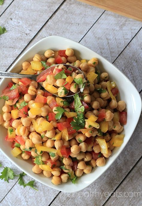This easy Tex-Mex Chickpea Salad is so light, fresh and tasty! It's super simple and can be made in less than 5 minutes! #chickpea #salad #texmex #chickpeasalad #saladrecipe #easysalad #bestsalad #homemadesalad