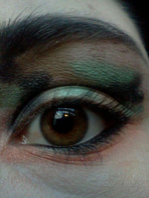 Camo eye makeup