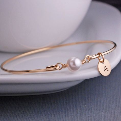Wedding Party Gift, White Pearl Bracelet, Bridesmaid Jewelry Gift, Wedding Bridesmaid Bracelet, Gold Bangle Bracelet - List of the most beautiful jewelry