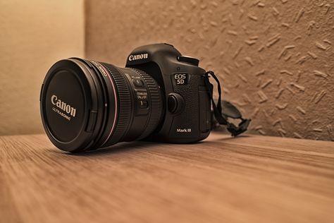 Canon 5d Mk3 With Canon 24 70 F4 Canon 5d