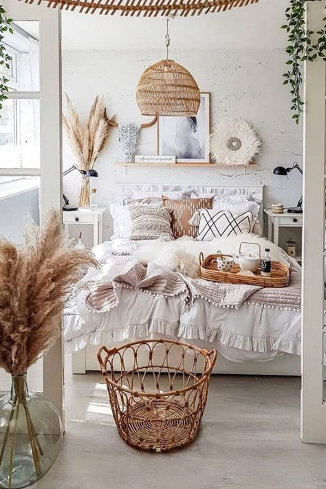 Cute Bedroom Ideas, Cute Room Decor, Room Ideas Bedroom, Bedroom Inspo, Bedroom Inspiration Cozy, Bedding Inspiration, Bedroom Designs, Style Inspiration, Boho Bedroom Decor