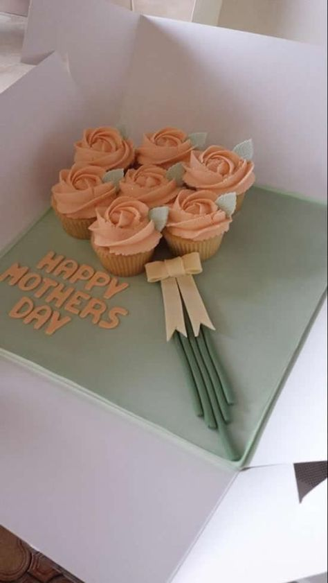 Valentines Day 2020 : Mothers Day Cake Ideas Mothers Day Cake Design Mothers Day Cake Ideas 2020 day food desserts Valentine's Day 2020 : Mothers Day Cake Ideas – Mothers Day Cake Design – Mothers Day Cake Ideas 2020 - Quotes Time Mothers Day Desserts, Mothers Day Cupcakes, Ideas For Mothers Day, Cute Mothers Day Gifts, Pretty Cakes, Cute Cakes, Sweet Cakes, Mothersday Cake, Cupcakes Lindos