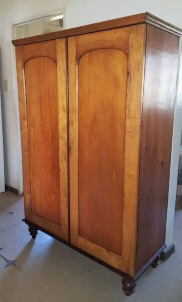 Yellowwood Cupboard Antiques For Sale Antiques Ceres