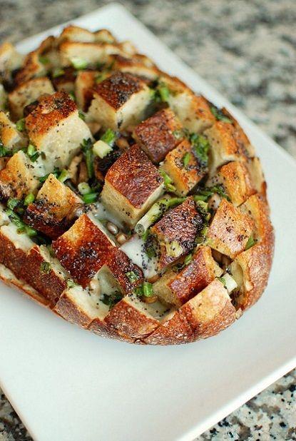 Bloomin' Onion Bread.