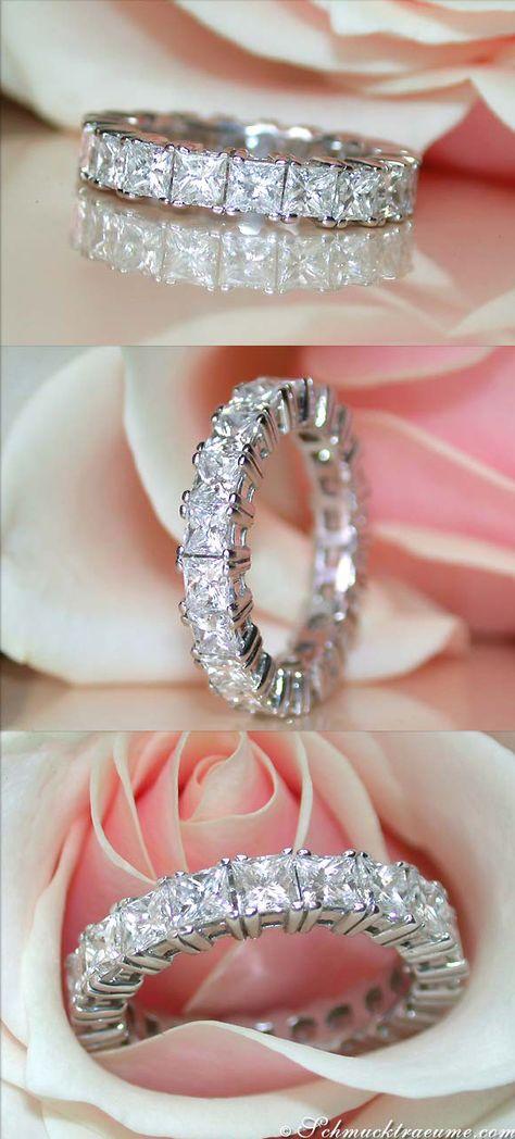 Magnificent: Diamond Eternity Ring, 4,33 cts. G-VS/VS1, WG-18K - Find out: schmucktraeume.com -- Visit us on FB: https://www.facebook.com/pages/Noble-Juwelen/150871984924926 - Contact: info@schmucktraeume.com
