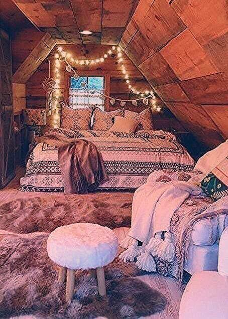 14 Modern Bohemian Bedroom Inspiration Do You Like The One With Plant Modern Bedroom Bohemian Inspira In 2020 Attic Bedroom Small Woman Bedroom Bedroom Design