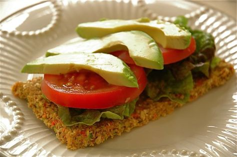 RAW FOOD! carrot zuccini flat bread with avocado and tomato :)